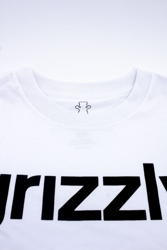 "CAMISETA GRIZZLY ""LOWERCASE LOGO"" BRANCA"