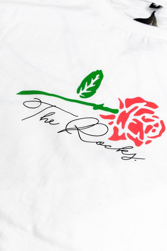 "CAMISETA THE ROCKS ""ROSE"" BRANCA"
