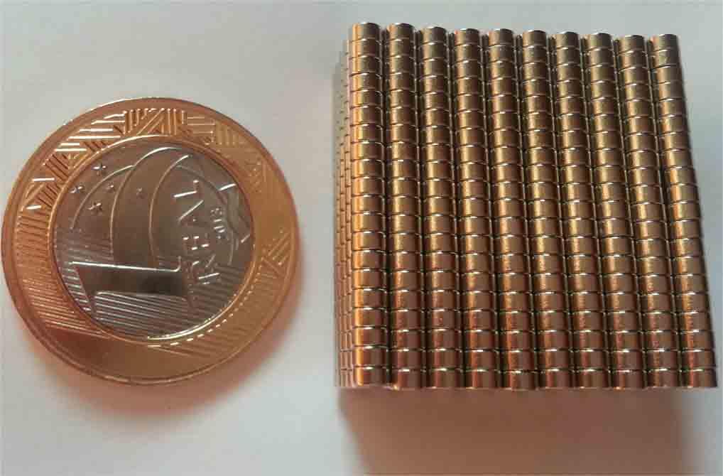 Imã De Neodímio 100 Peças / Super Forte / 3mm X 1,5mm