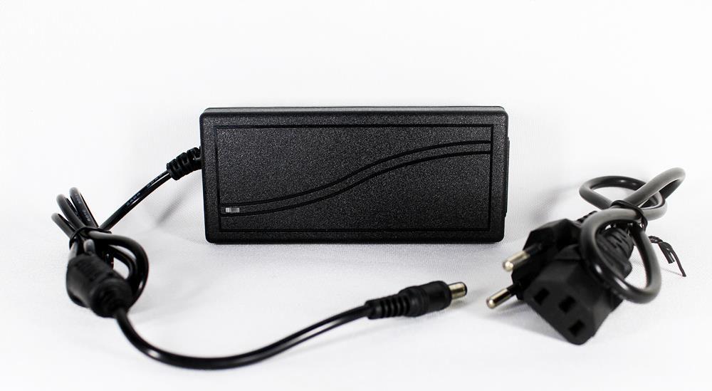 Fonte 12v 5a Bivolt- Preta 5 Amperes real - Plug P4
