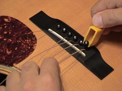 Pino Para Ponte de Guitarra/Violão Preto