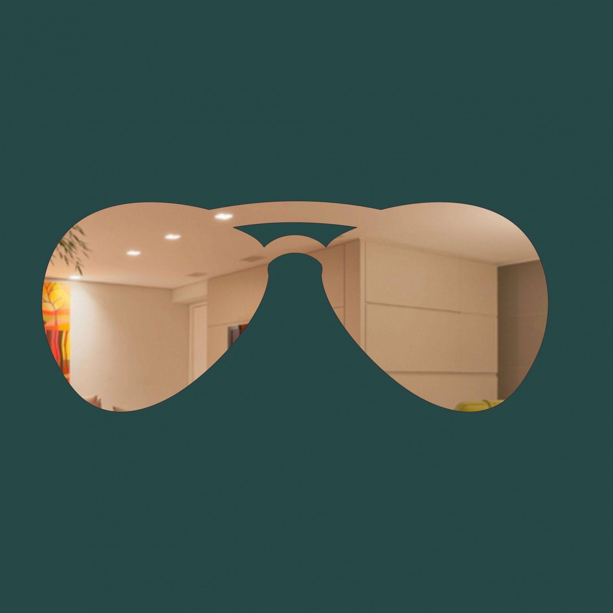Óculos -  Produzido em acrílico espelhado.