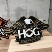 Placa Decorativa HOG Harley Owners Group Largura De 58 Cm em Aço