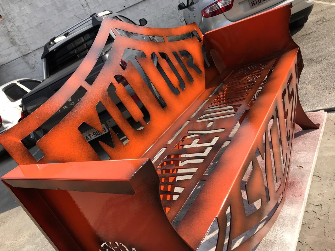 Banco Harley-Davidson 1,25m Laranja com Preto  - HDC Brasil