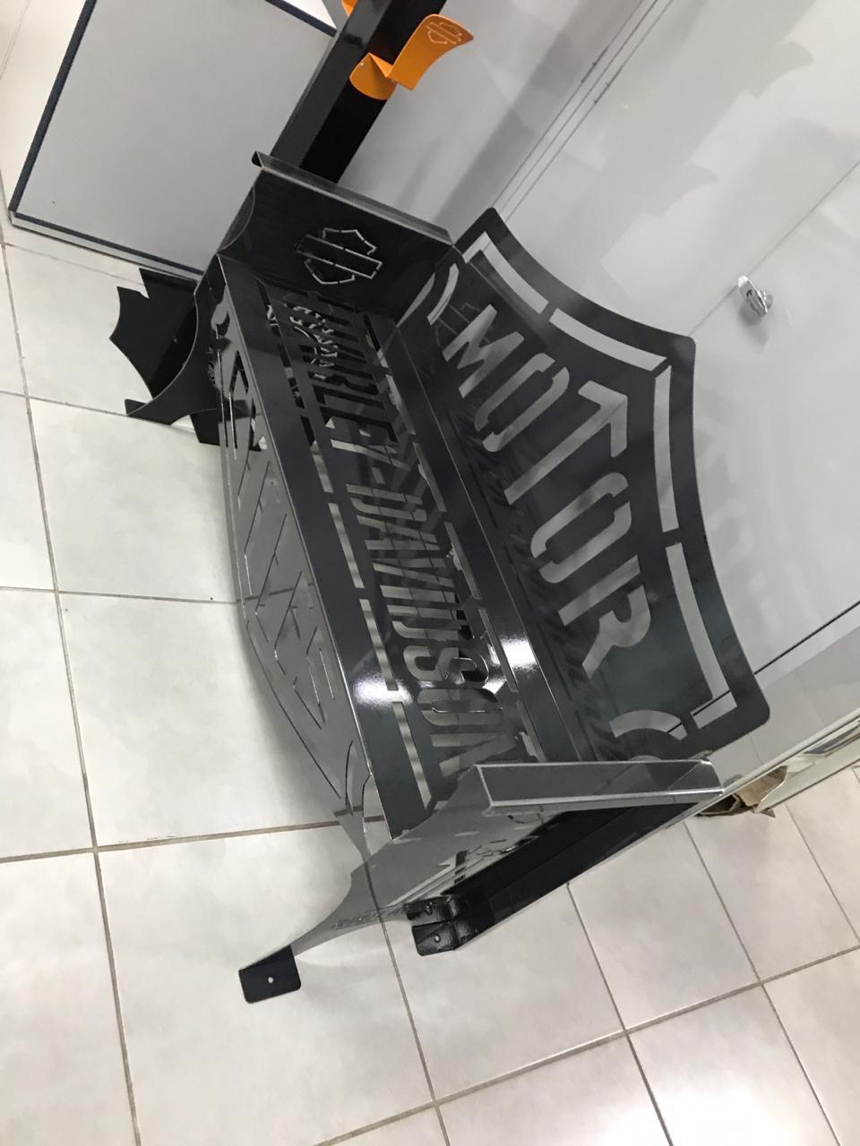 Banco Harley-Davidson 1,25m LIXADO E ENVERNIZADO  - HDC Brasil