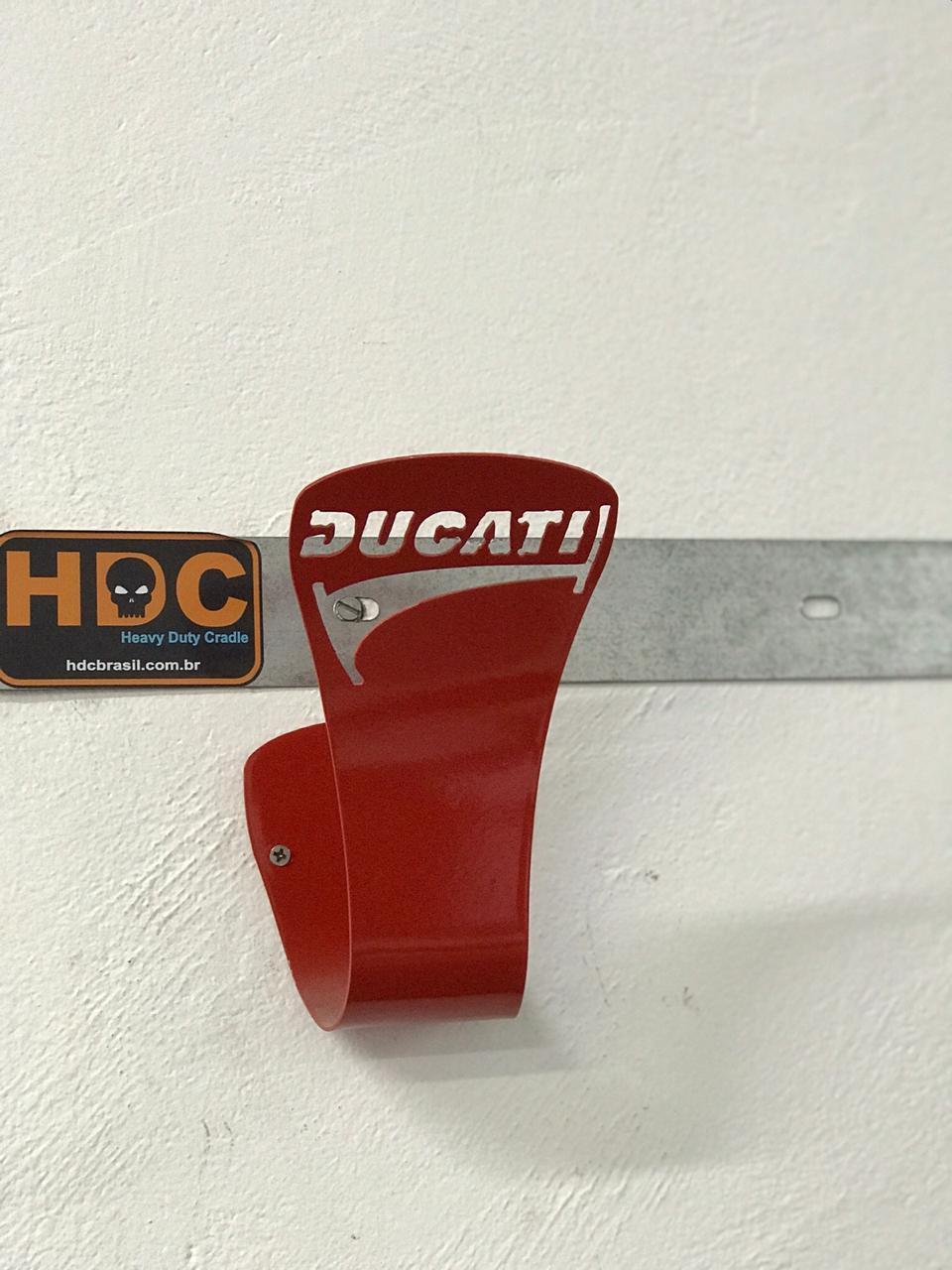 Suporte de Parede para Capacete e Casacos Ducati VERMELHO  - HDC Brasil