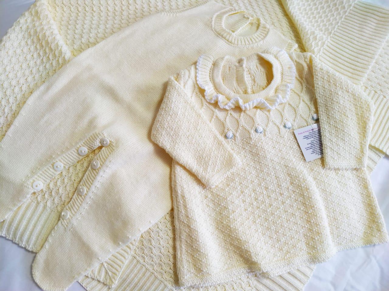 Saída de maternidade Amarela vestidinho