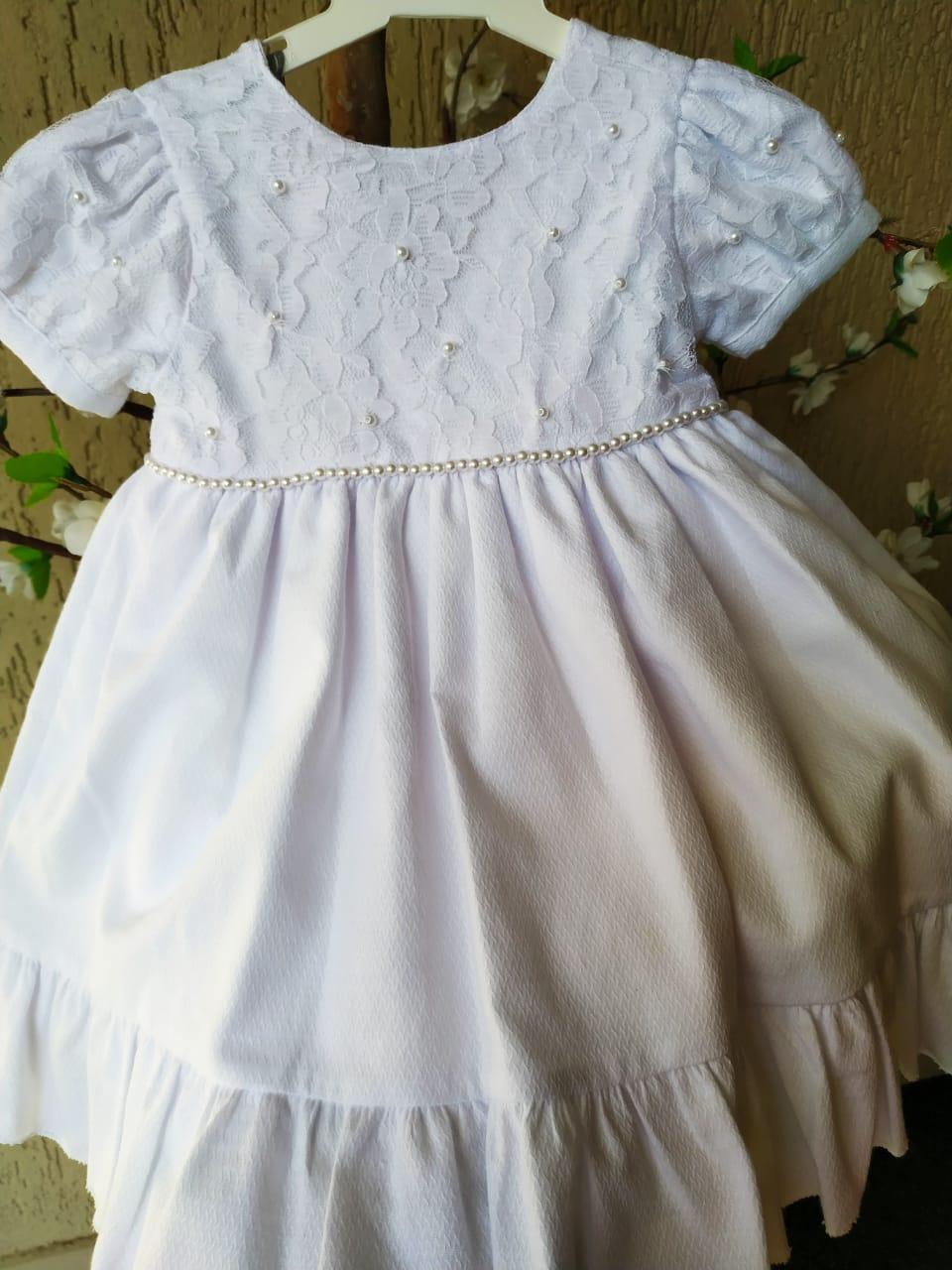 Vestido Branco rendado com saia lisa batizado