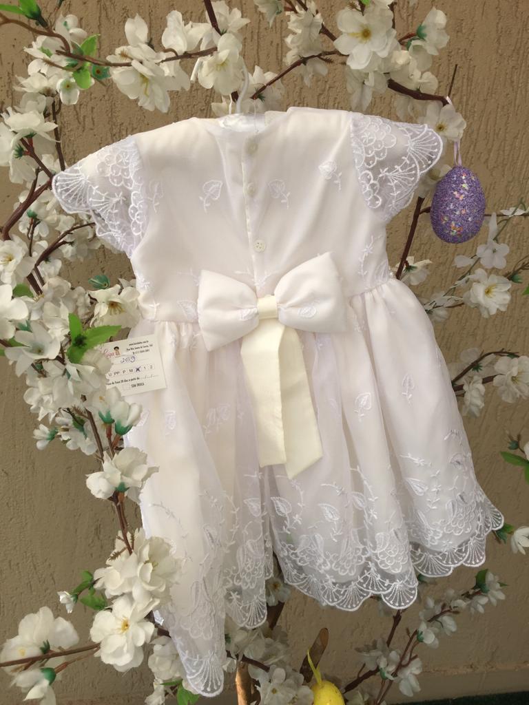 Vestido Rendado Branco e marfim batizado
