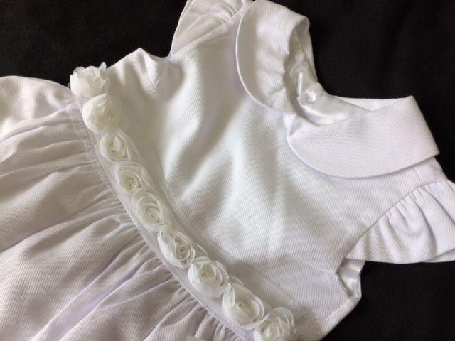 Vestido Rosinhas na cintura Batizado