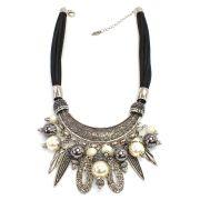 Colar feminino curto, camurça, metais, pérolas e strass -3915