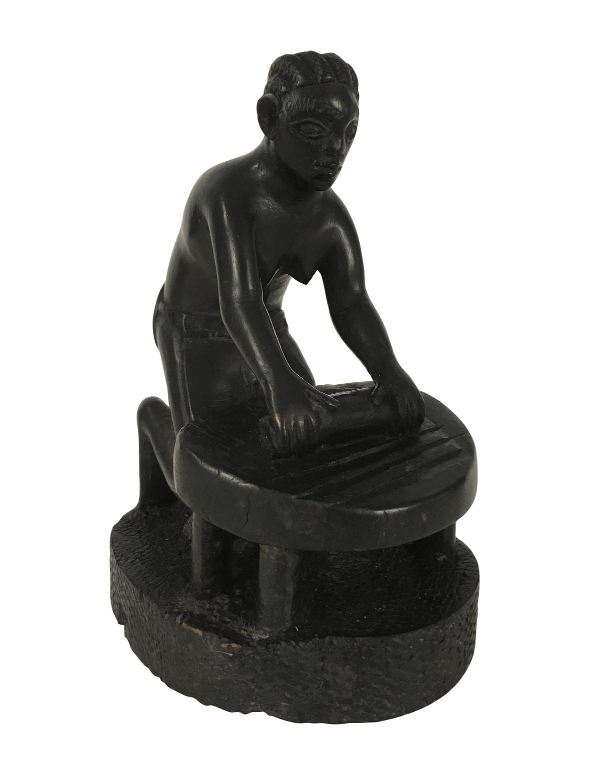 Antiga Escultura Africana Em Ebano Mulher Trabalhadora