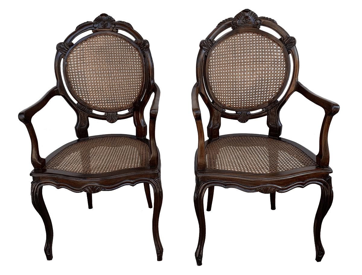 Antigo Par De Cadeira Medalhao Duplo Jacaranda Com Braço