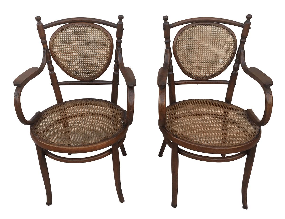 Antigo Par De Cadeira Thonet Austriaca Com Braço Palhinha