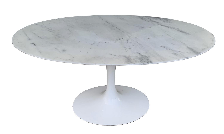 Mesa De Jantar Usada Saarinen Oval Marmore Carrara