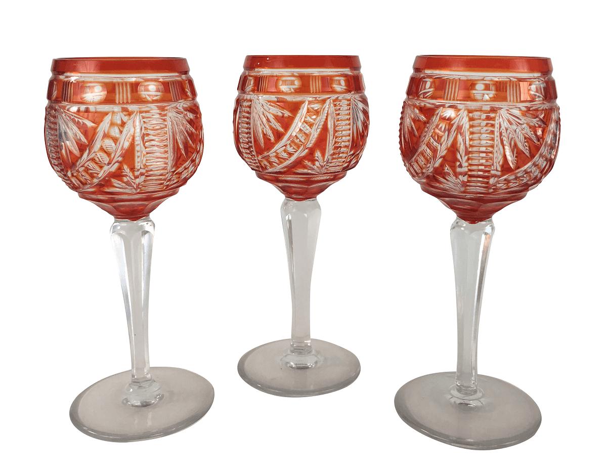 Tres Taças Em Cristal Europeu Lapidado Vermelho