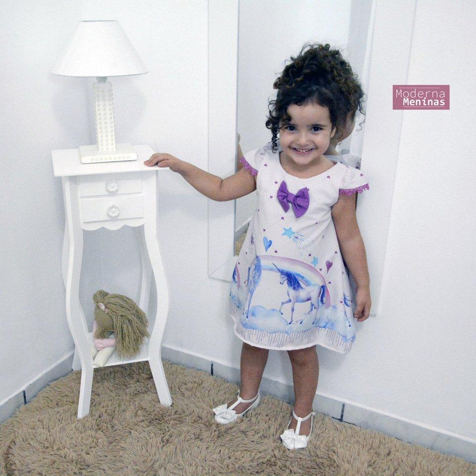 6cdfc8adebf Vestido festa infantil estampa de unicórnios – tubinho trapézio