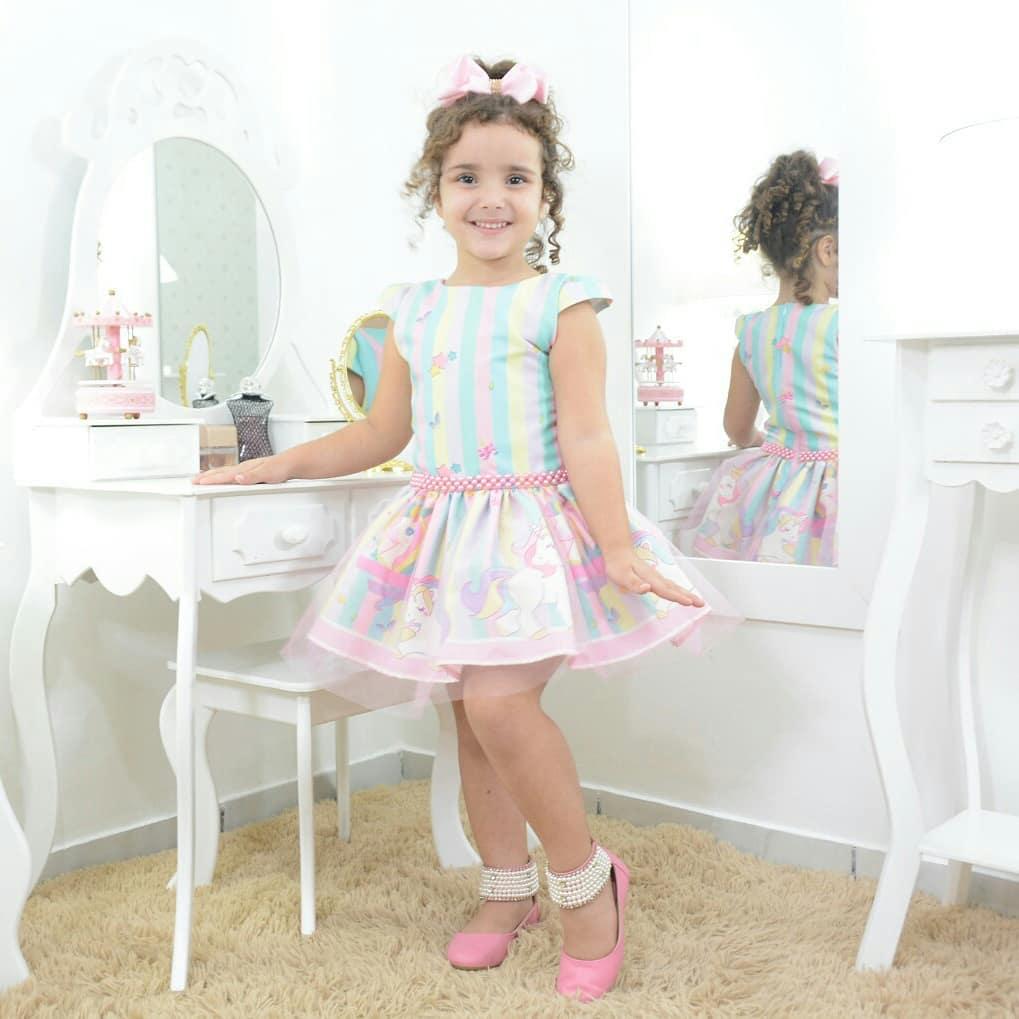 57cd19fb7 Vestido infantil festa unicórnios com tule sobre a saia - smart
