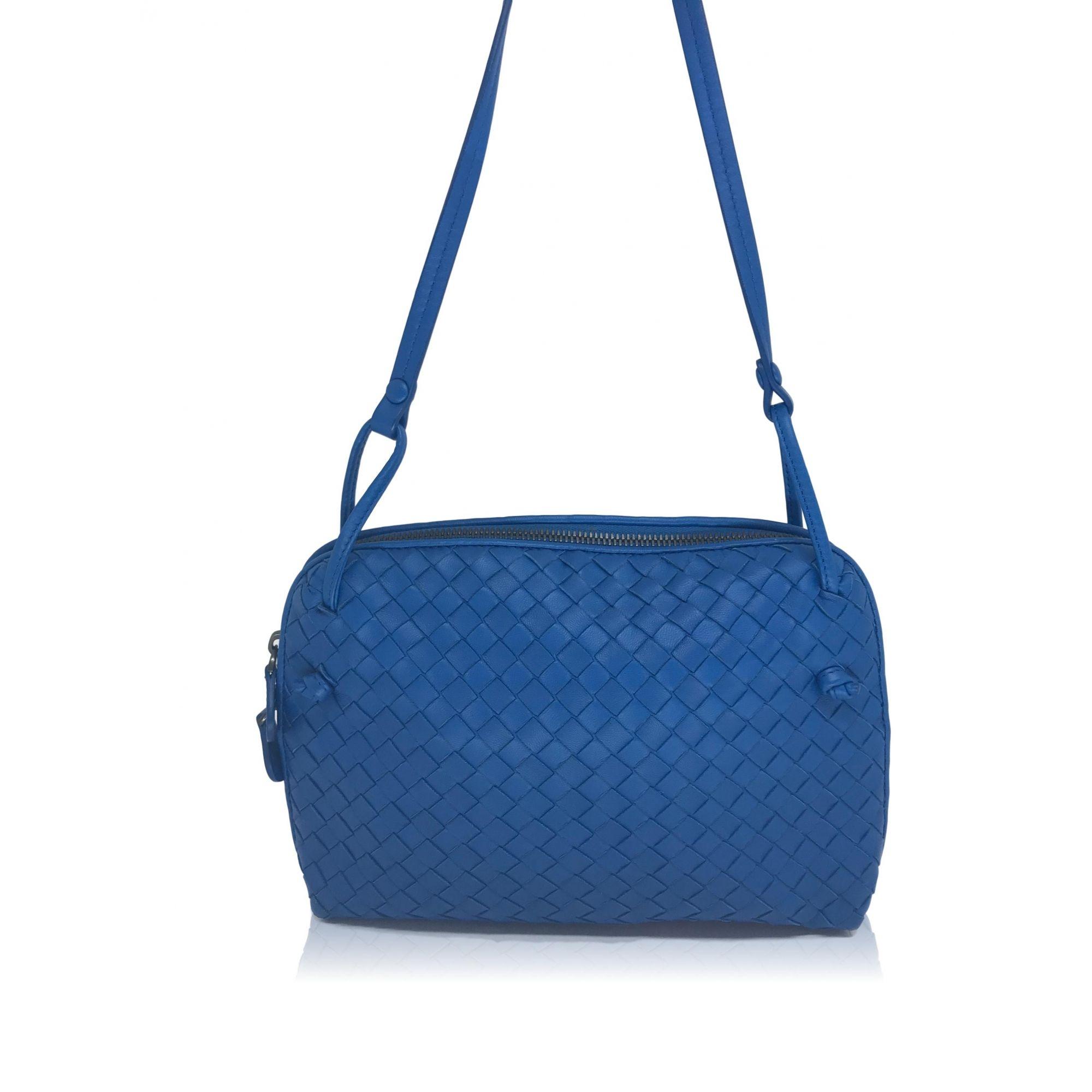 8e523d894 Bolsa Prada Azul Royal Saffiano - Paula Frank   Bolsas de luxo ...