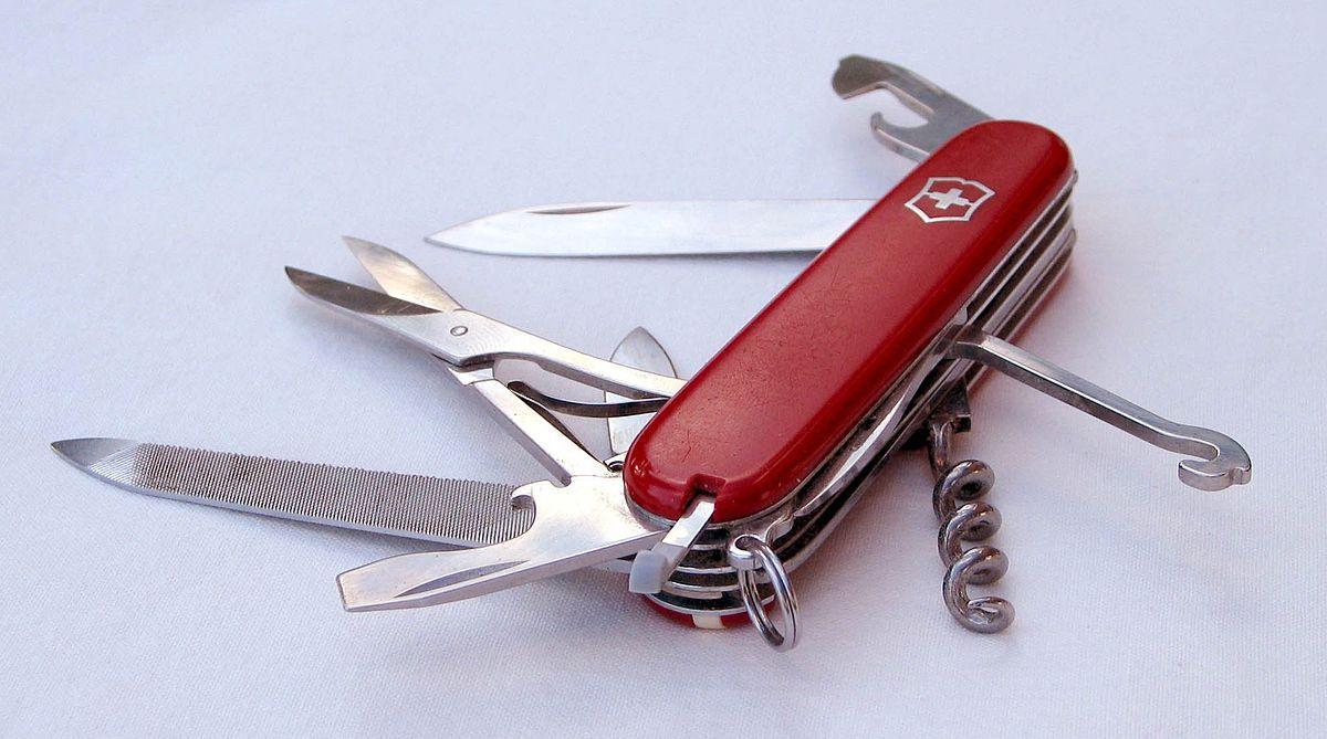 Canivete Victorinox  24 Funções Handyman Red 1.3773