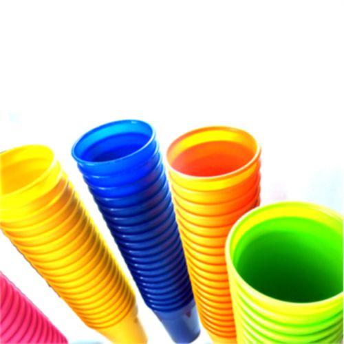 e6d8f0af34 Copos De Plásticos Grandes Coloridos Para Festa Lavável De 300ml Kit Com 30  Peças