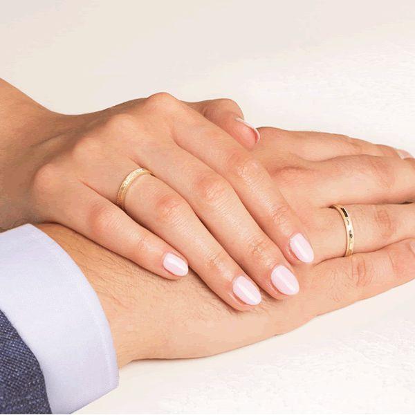 Alianças Noivado Casamento Ouro Acabamento Liso 5,5mm - A052