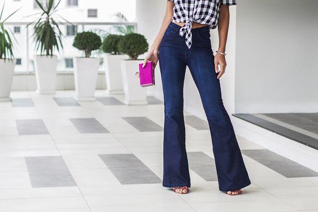 Calça jeans flare cós alto Carol jeans Escuro