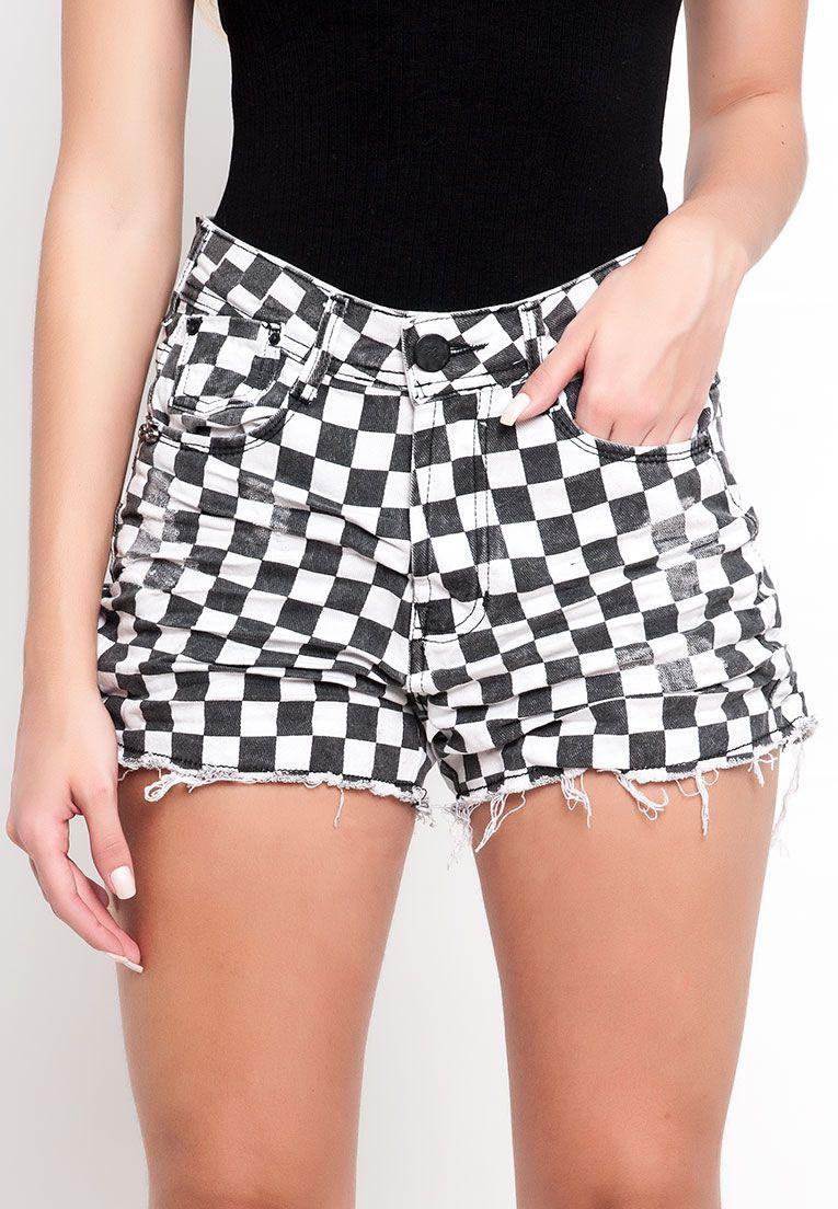 Shorts cós alto barra reta xadrez