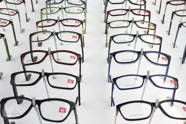 Me048 - Expositor De Parede Para 48 Óculos