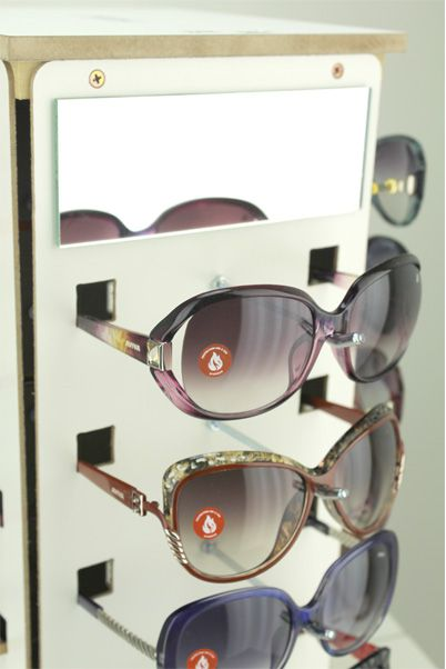 Me157 - Expositor De Balcão Giratório Para 20 Óculos