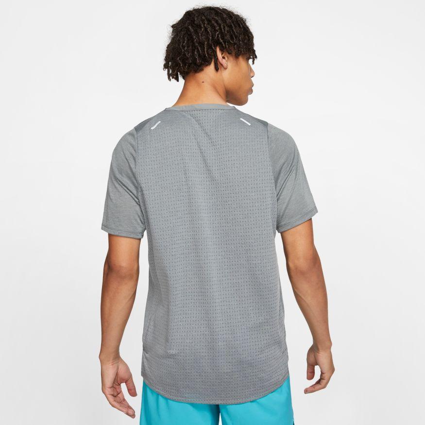 Camiseta Nike Rise 365