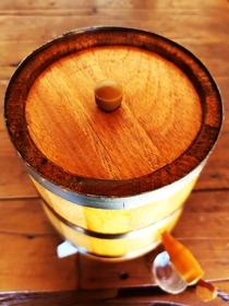 Dorna Ancorote Para Bebida 2,5 Litros Em Pé Madeira Amburana