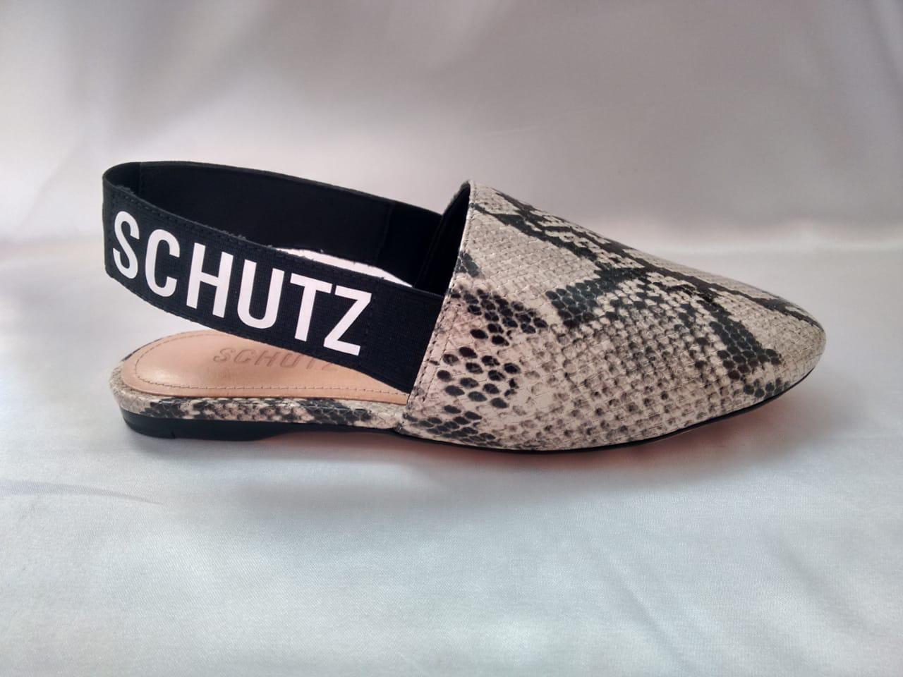 Chanel Schutz