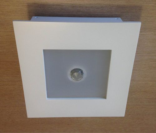 Luminaria Plafon Embutir Com Cristal 23x23cm Madeira E Acril