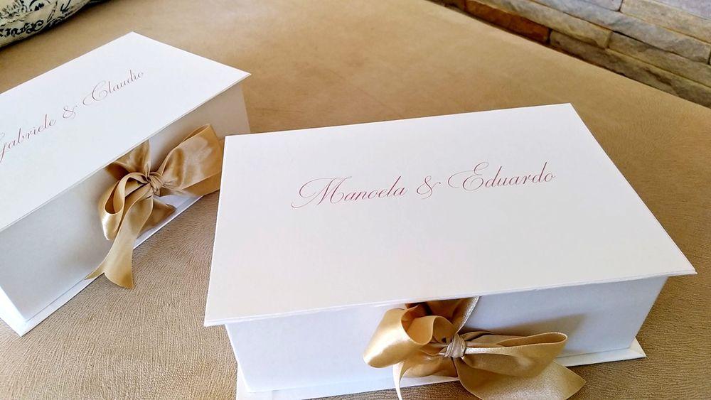 Caixa Manoela e Eduardo