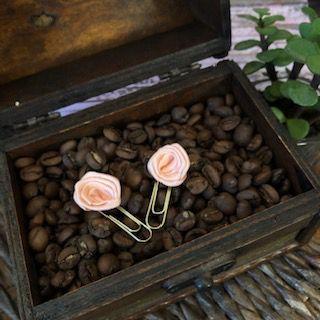 clips de tecido feito à mão (mini-rosa rosé)   -  Fé Ilustrada