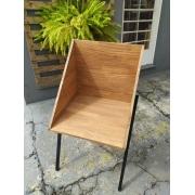Cadeira III com pés de ferro