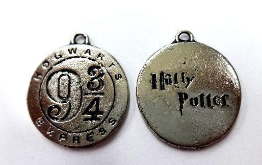 Pingente Medalha Harry Potter 9 3/4 Níquel Gráfico