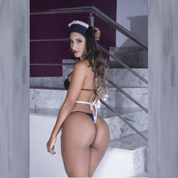 Fantasia Erótica Empregada Sexy