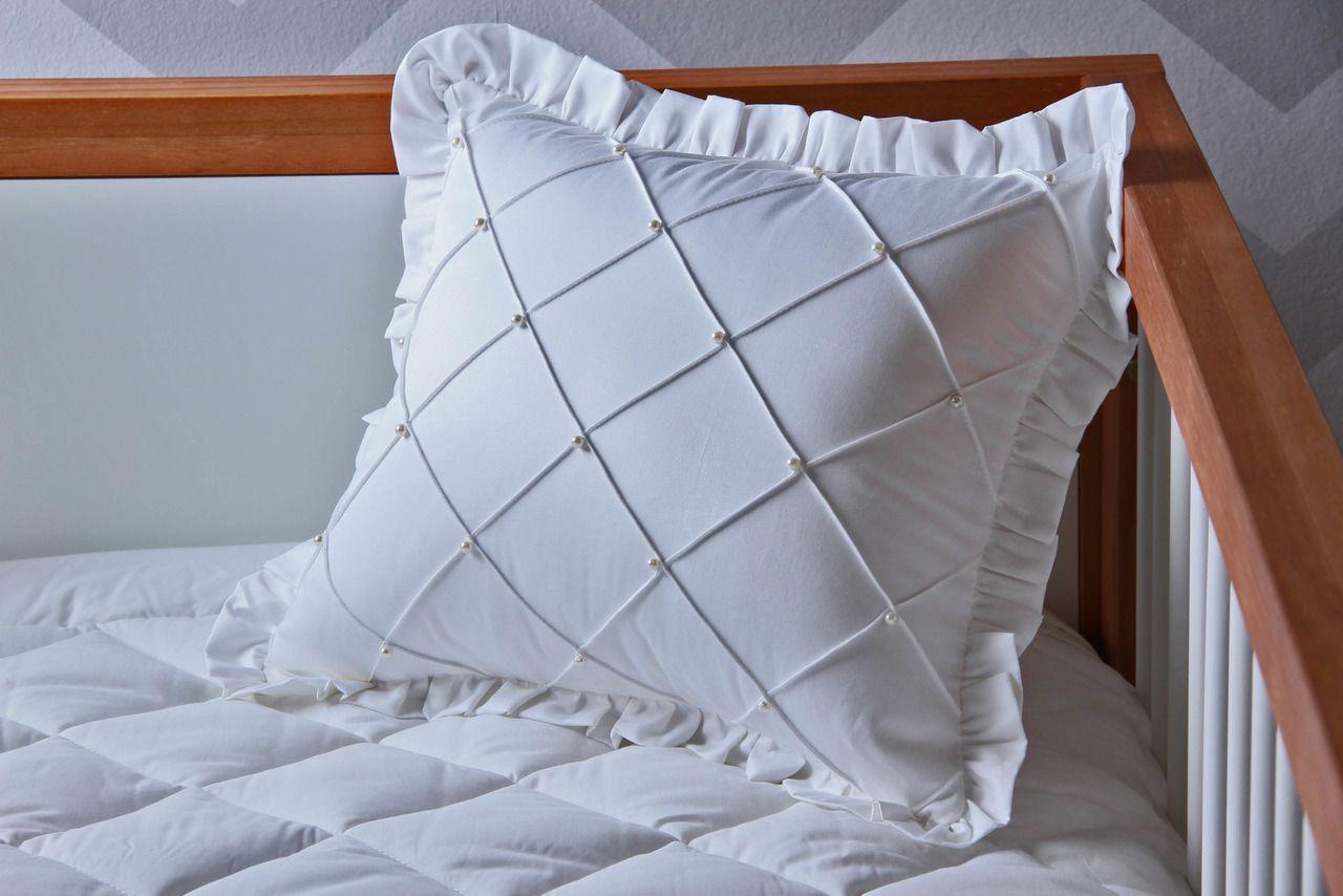 Almofada 400 fios Nervuras + Pérolas Branca
