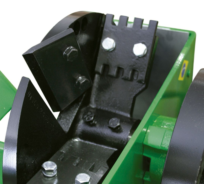 Triturador Forrageiro Monof. 7,5CV C/Base Trapp TRF 700F