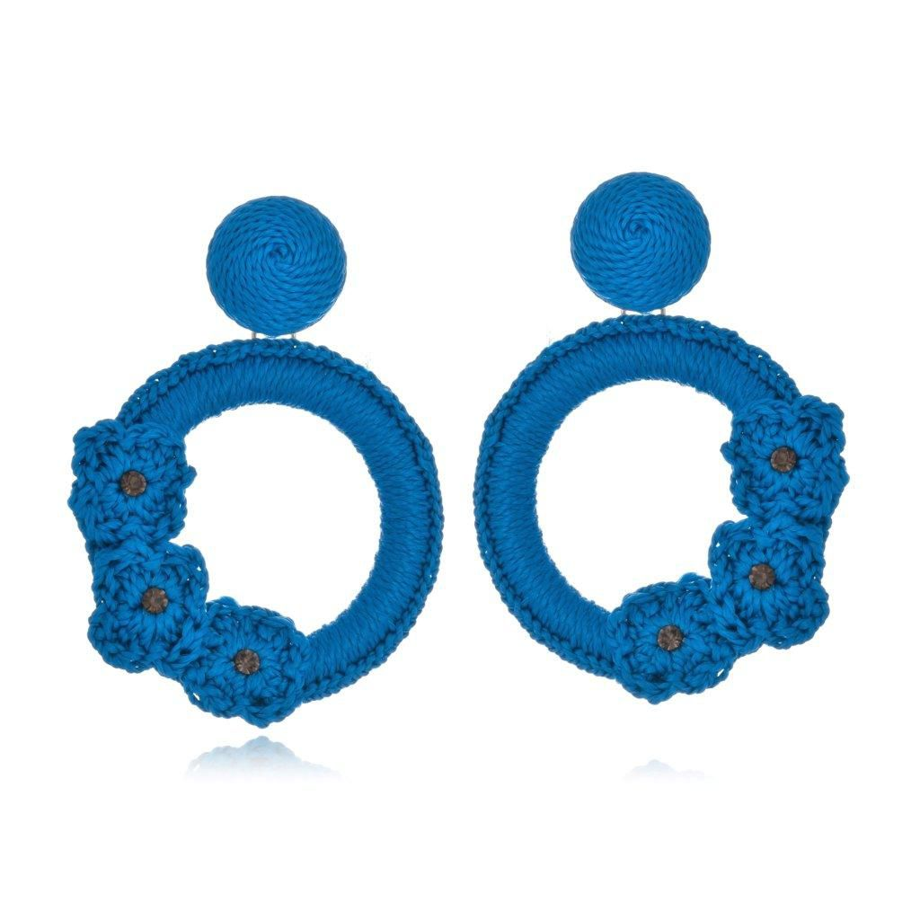 Brinco Le Diamond Liza Crochê com 3 Flores Azul