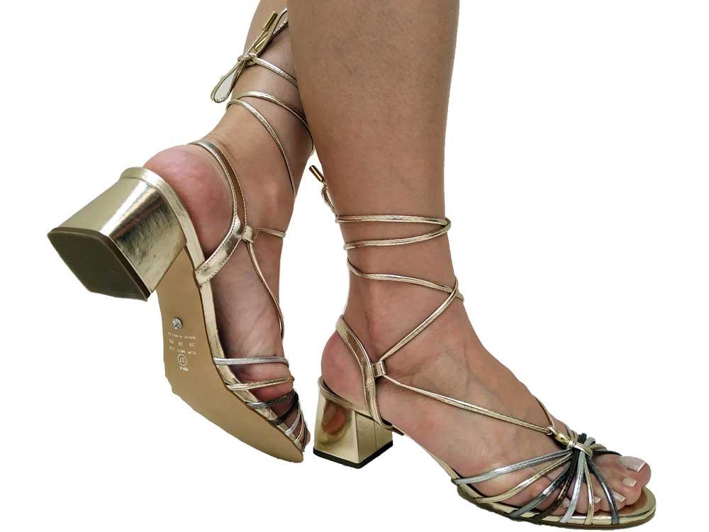 Sandália metalizado ouro 5cm Cód.569