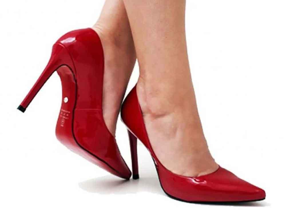 Scarpin verniz vermelho salto 11cm  Cód.: 450