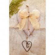 Coração de madeira com dourado
