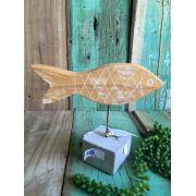 Peixe em madeira cru com base em cimento G