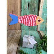 Peixe em madeira vermelho
