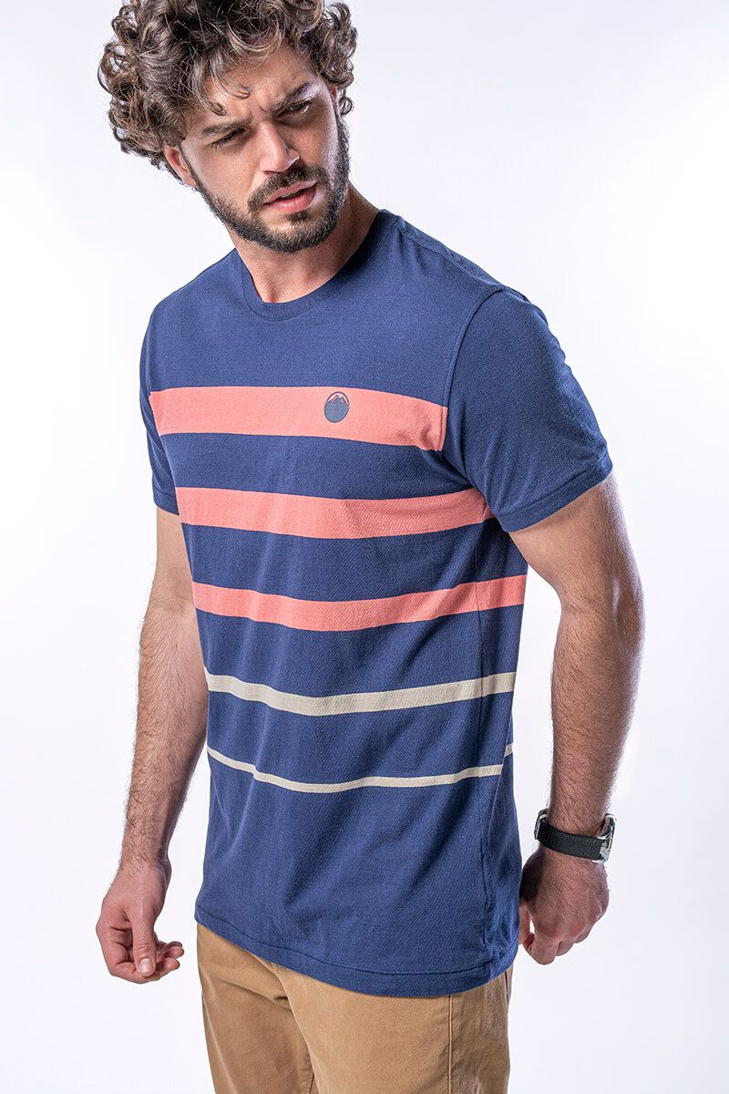 Camiseta Masculina Listrada e Logo em Relevo - Marinho