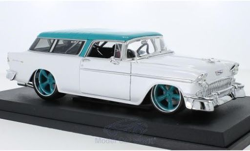 Chevrolet Nomad 1955 Muscle Classics Maisto 1/18