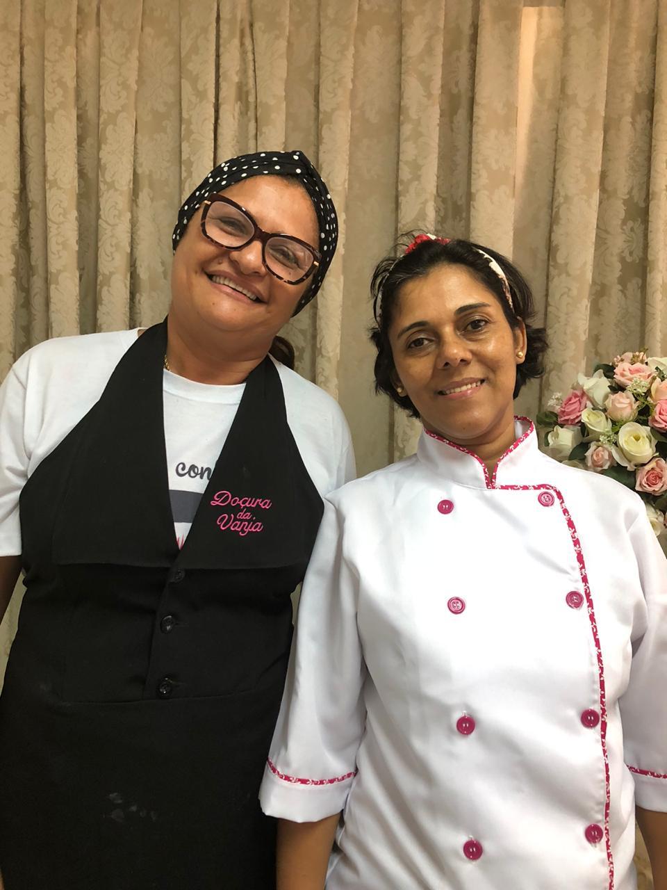 CURSO 13 NOV as 8;30h às 12:00 h - CURSO DE PÃO METRO,ROSCA NATALINA E PANETONE  Culinarista Solange e Vanja